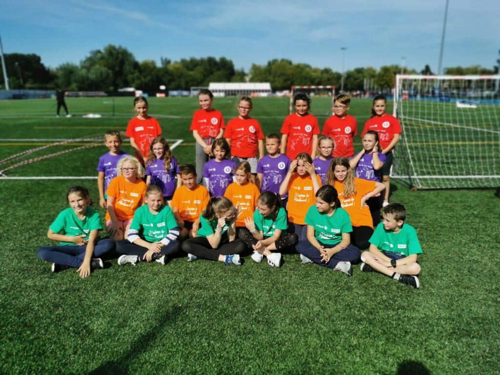 élèves de l'école de Bouvignies à la journée nationale du sport scolaire