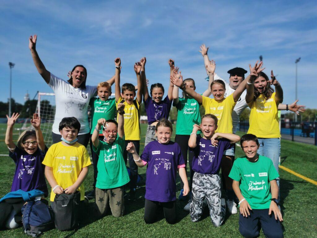 élèves heureux à la journée nationale du sport scolaire